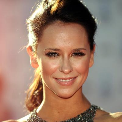 Jennifer-Love-Hewitt-Contact-Information