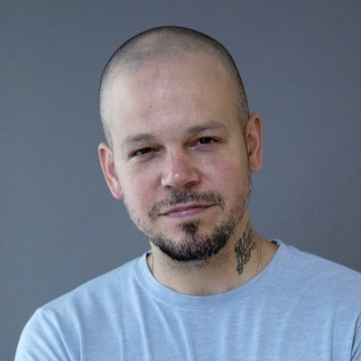 Residente-Contact-Information