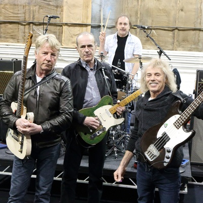 Status-Quo-Contact-Information