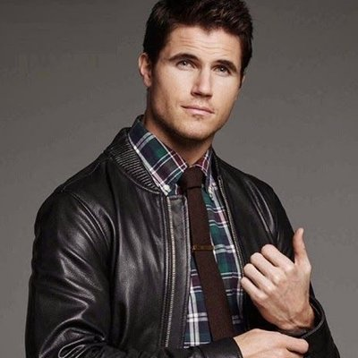 Robbie-Amell-Contact-Information