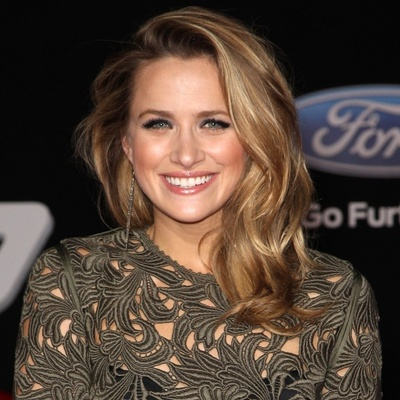 Shantel VanSanten Contact Information