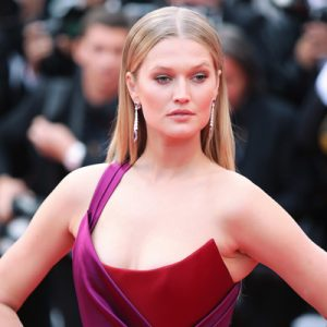 Toni Garrn Contact Information
