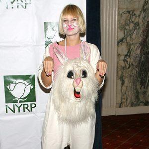 Sia-Furler-Contact-Information